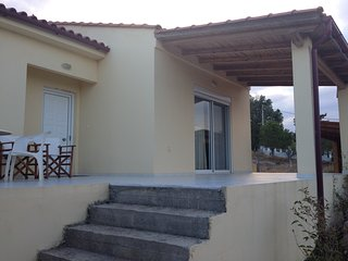 Cretan Cottage in Heraklion Suburbs