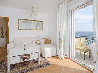 Seafront apartment Santo 1