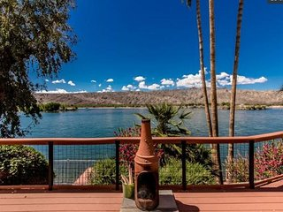 Awesome views. Riverfront Home Close to Casinos/Laughlin, Pool Table, Boat Dock