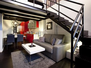 Camp Nou Duplex V apartment in Les Corts with WiFi & lift., Barcelona