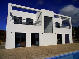 Modern villa in peaceful rural location close to Tavira with wonderful sea views