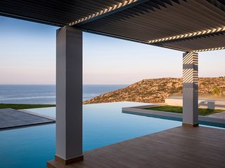 Brand new luxurious seafront Villa Indigo Blue with large pool and amazing views