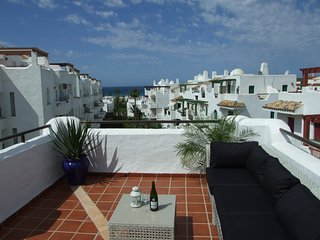 Beautiful beach penthouse with large roof terraces