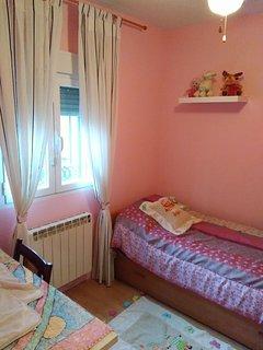 Habitación con dos camas de 80