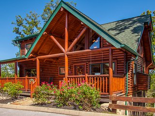 Celebrate Me Home ~ Willow Tree Cabins ~ 2 bedroom /2 bath Covered Bridge Resort, Pigeon Forge