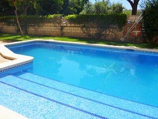 131B Apartamento con piscina compartida