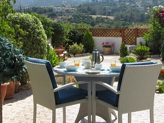 'Just for Two' Lovely House with Spectacular Sea and Mountain Views