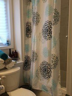 Shared bathroom for bedroom 1 & 2