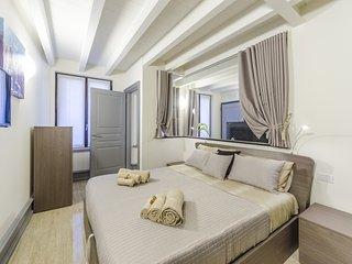 Appartamento di lusso: 5 min da Rialto e dalla Stazione &  FREE WIFI, Venecia
