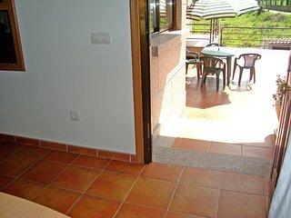 Apartamento con terraza de 60 m2, muy soleado a 2km de la playa