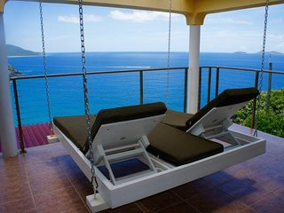 Isla Paradiso - Ideal for Couples and Families, Beautiful Pool and Beach, St. Thomas
