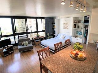 (NEW LISTING)  Waikiki Home Base 1 Block From Beach!!!