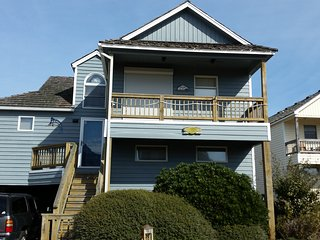 Tri-level home centrally located in Nags Head