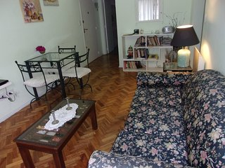 SUNNY 2 BDRM APARTMENT IN HEART OF SAN TELMO