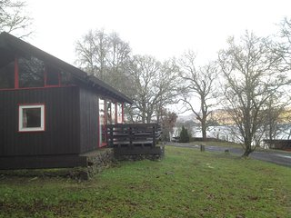 Cosy Cabin with open views of Loch Awe, Dalavich
