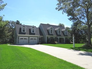 Indian Lakes BEAUTY with POND RIGHTS & TENNIS! 133669, Marstons Mills