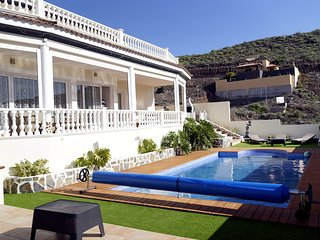 LUXURY VILLA ON THE TOP OF COSTA ADEJE