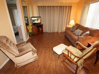 Nature's Harmony- Pet Friendly, Walk-In 2 Bedroom, 2 Bath Condo-New Floors!, Branson