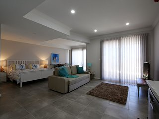 STUDIO STYLE BOARDWALK APARTMENTS LOCATED AT MINDARIE MARINA, Mindarie