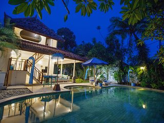New Holiday Beachside Villa!, Tuban