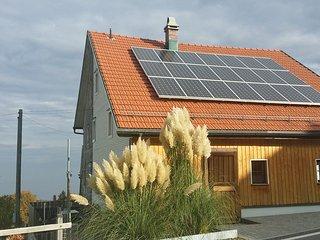 Bauernhaus Hinterbühle hoch über dem Bodensee, Wolfhalden