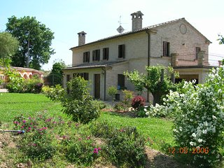 VILLA CAROLINA - Green House con ampio giardino, Loreto