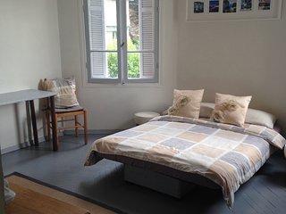 Sunny studio apartment, Nice