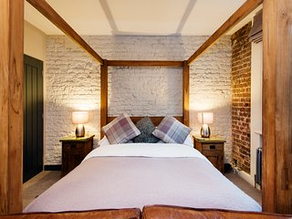 TheLodgingRooms, Beekeepers Rest Suite, Farringdon, London