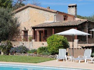Authentique mas provençal en pierre sur la Côte d'Azur, piscine et calme, Roquefort-les-Pins