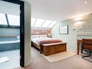 TheLodgingRooms, Under Croft Suite, Farringdon, London