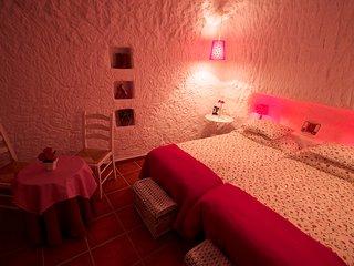 AR Cueva Adonia 6 a 12 personas,amplia y con mucho encanto.