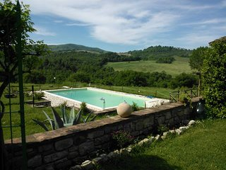 Ancient CountryFarm with 7 Lodgings in Umbria, the Green Heart of Italy, Monte Castello di Vibio