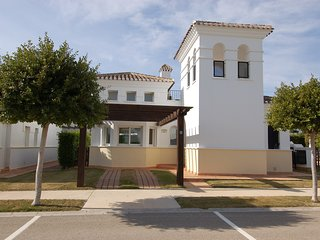 2 bed villa with car pool golf beach childfriendly