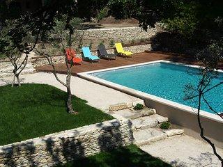 Maison de charme avec piscine et tennis privatif