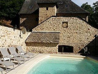 Superbe gîte CHARLU 5* avec piscine privée et chauffée