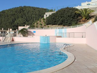 Apartment near beach with pool, Sesimbra