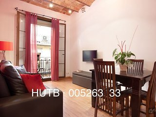 GowithOh - 17548 - Colourful apartment just 10 minutes from the Sagrada Familia, Barcelona