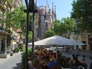 SAGRADA FAMILIA APARTMENT 3 ROOMS 2 BATHS