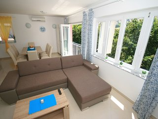 Mimoza 5 - beautiful  new 4* apt  Baska, Krk