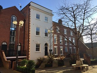 'Heritage View'. Fabulous City Centre Apartment. Prime location, Chester