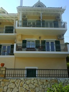 Estate Dafnopanagia  Villa Magda