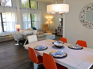 Kate's Places - Direct Riverfront Luxury 2bed 2bath VIP Villas Dolphin Cove, NSB, New Smyrna Beach
