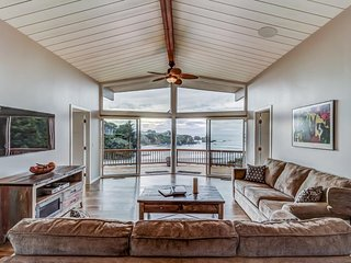 Remodeled oceanfront home w/ a hot tub, deck, beach access & incredible views!