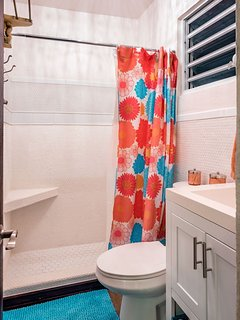 Flamingo Master Ensuite Bath Unit A Downstairs.
