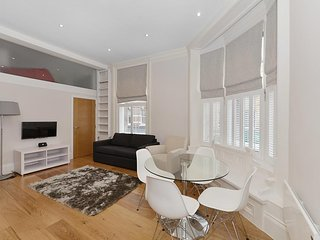 Modern 1 Bedroom Apartment at the Heart of Soho Apt 2, Londres