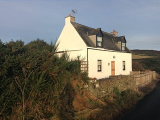 Piper's Cave, a 2 Bedroom Holiday Cottage with Beautiful views.