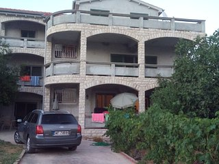 Three apartments on the ground floor 50m to the sea