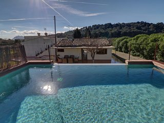 Perfect family finca with amazing view from the raised pool