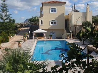 16 guest villa in Ano Gouves - Crete, Heraklion