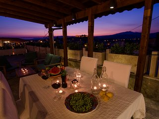 Sunset House, Sleeps 5, stunning views of Byzantine castle from huge terrace